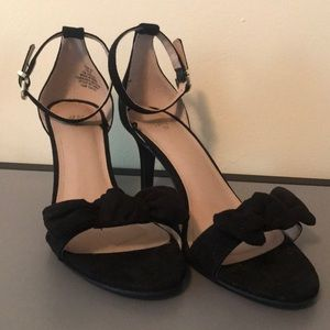 H&M black suede bow pumps